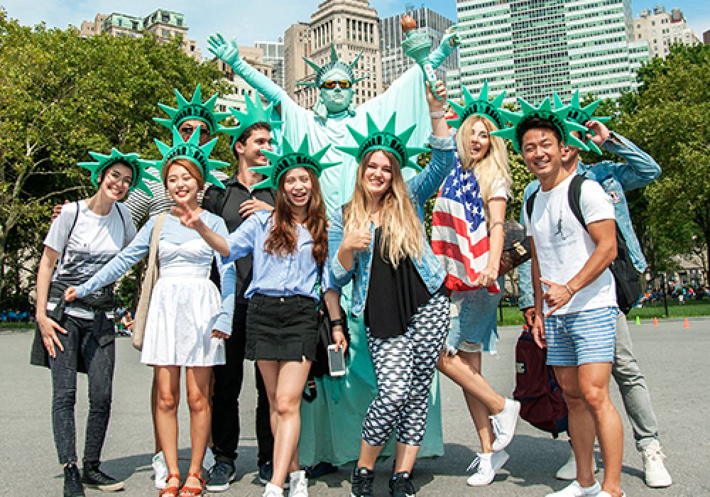 MANHATTAN-LANGUAGE--ACTIVITIES2-english-school-student-visa-usa